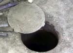Трирічний хлопчик провалився у відкритий люк у Львові. Тіло досі не знайдено